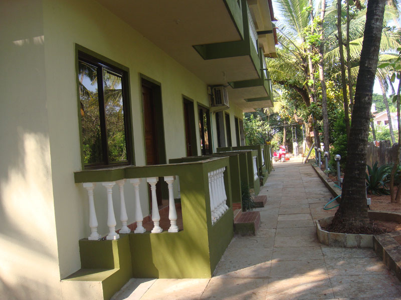 External view of John's Guest House Rooms